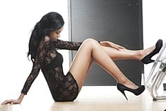 Photo Model African Girl is a young, slim African Photo Model with beautiful long legs
